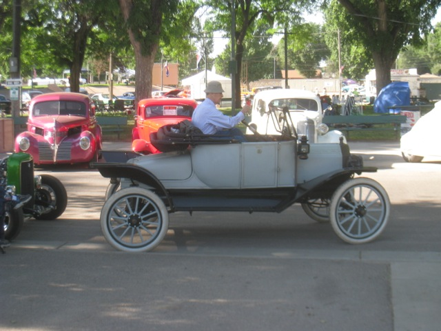 Gentlemen's Vehicle